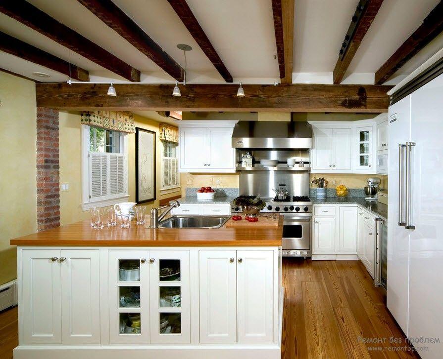 Балки на потолке кухни фото