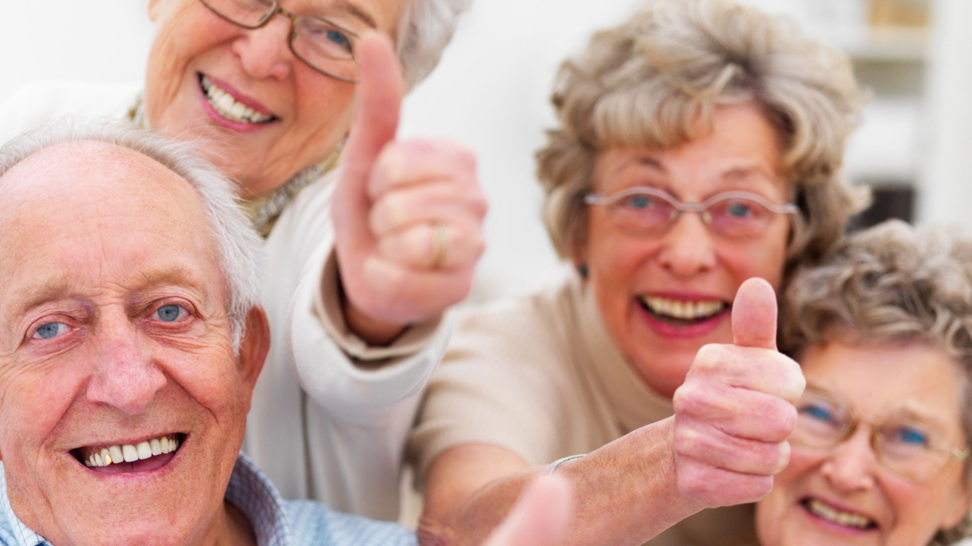 Смотреть онлайн пенсионеры с девочками порно 12 фотография